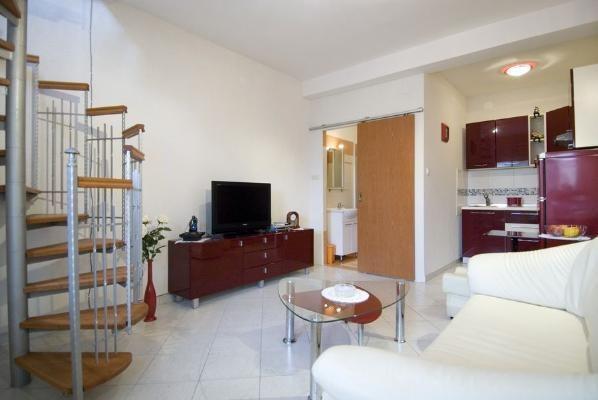 Offerta speciale appartamenti nevena isola lussino for Appartamenti moderni immagini